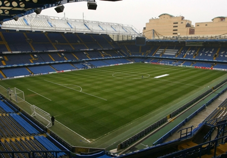 Chelsea agrees record shirt deal