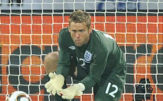England goalkeeper Robert Green makes a howler against the USA (Getty Images)