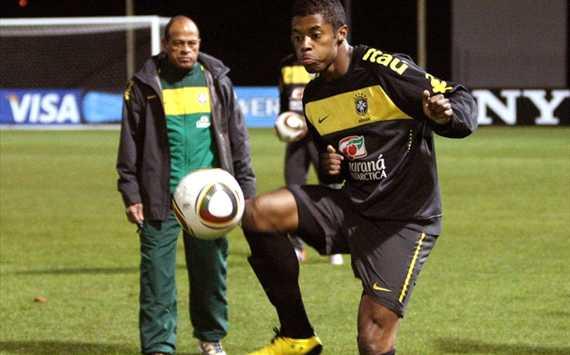 Michel Bastos - Brasil (CBF NEWS)