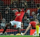 Manchester United : Blackett rempile