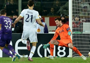 Mario Gomez (l.) traf gegen Tottenham zur Führung