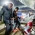 I giocatori lasciano il campo nel momento in cui l'arbitro ordina la sospensione