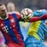 Münchens Ribery im Zweikampf mit Kölns Risse