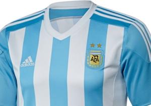 GALERÍA: Las camisetas para la Copa América. Aunque todavía no están todas confirmadas, ya se puede hacer un repaso de las que fueron presentadas. Un verdadero lujo. | Argentina lucirá un modelo clásico.