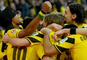 Pierre-Emerick Aubameyang a l'habitude de célébrer ses buts avec des masques de super-héros. Zoom sur ces célébrations inédites avec Saint-Etienne et Dortmund.