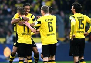 Der 23. Bundesliga-Spieltag ist Geschichte, und er hatte es in sich. Nach einem packenden Revierderby folgte am Samstag ein Spektakel in Bremen. Wir küren die Elf das Wochenendes, in der Borussia Dortmund dominiert. Aber auch Wolfsburg und Bayern sind ...