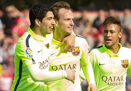 Suarez Helps Barca Win Ugly