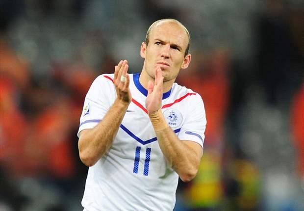 World Cup 2010: Netherlands - Slovakia Official Line-Ups: Arjen Robben Gets The Nod For Oranje