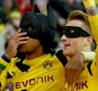 VÍDEO   Aubameyang y Reus, a lo Batman y Robin