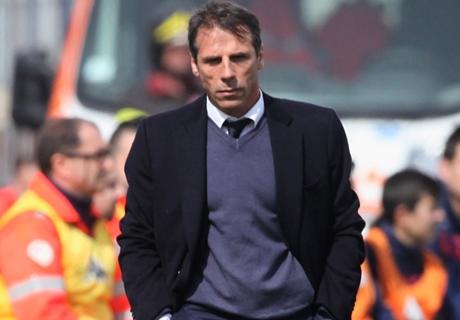 Zola Enggan Tinggalkan Cagliari