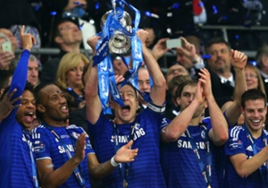 Final Piala Liga | Full-time: Chelsea 2-0 Tottenham | Kembali juara di Wembley! John Terry mengangkat trofi Piala Liga ketiganya