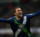 Video: Wolfsburg edge eight-goal thriller