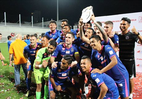 Warriors clinch Charity shield with narrow victory