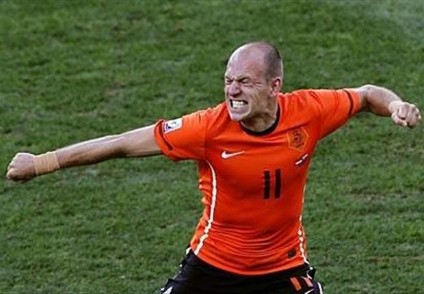 Barcelona ready to turn to Arjen Robben if bid for Arsenal star Cesc Fabregas fails - report