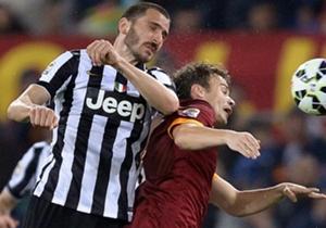 Il difensore della Juve Bonucci in azione contro la Roma
