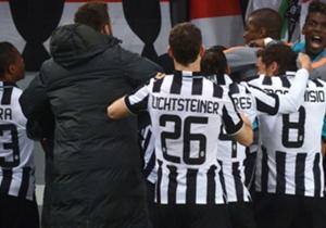 Juventus tak terkalahkan di 23 laga, termasuk 15 kemenangan, sekaligus hasil seri ketiga di laga away setelah ditahan Roma 1-1.