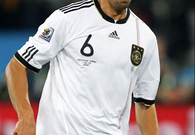 OFFICIAL: Real Madrid Sign Stuttgart Midfielder Sami Khedira