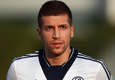 Schalke want to buy Nastasic