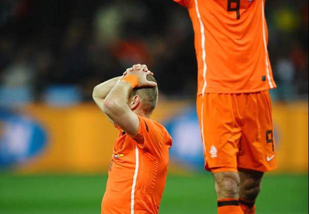 World Cup 2010: 'The final deserved a world-class referee' - Arjen Robben continues Netherlands' attack on Howard Webb