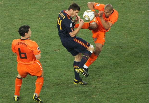 World Cup 2010: Spain's Xabi Alonso slams Netherlands midfielder Nigel de Jong's challenge as one of the worst tackles he's ever suffered