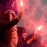 Das zünden bengalischer Fackeln - hier Schalke-Fans in Maribor - zieht harte Strafen nach sich