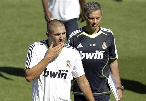 Jose Mourinho to use Real Madrid striker Karim Benzema as bait to get Chelsea left-back Ashley Cole - report