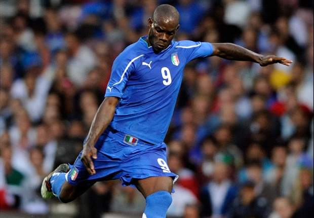Manchester City Striker Mario Balotelli To Undergo Knee Surgery In Italy On Thursday And Could Miss Six Weeks Of Action
