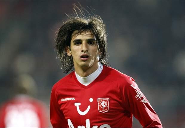 Twente star Bryan Ruiz shows again that he's too good for Tottenham Hotspur & should join a Champions League team instead