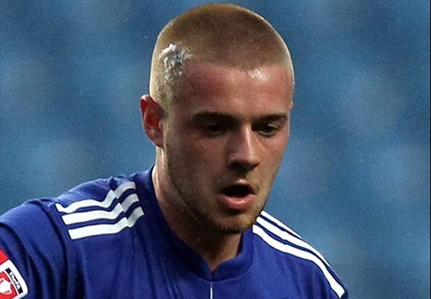 Crawley Town sign Chelsea midfielder Conor Clifford on loan