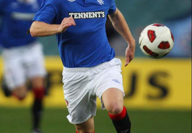 Steven Davis joins Southampton from Rangers