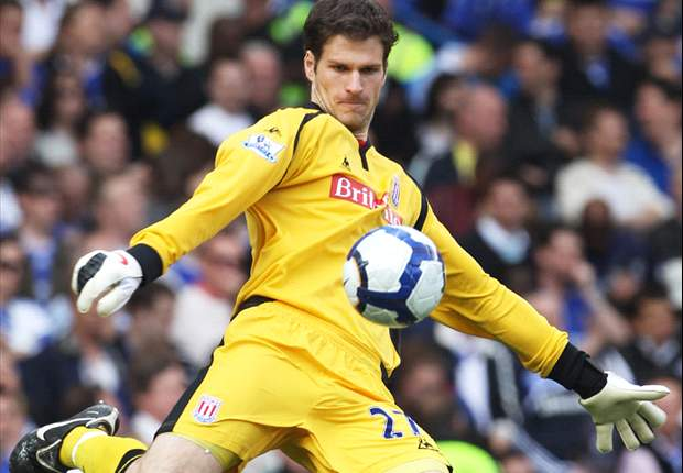 Manchester United target Begovic: My only concern is Stoke