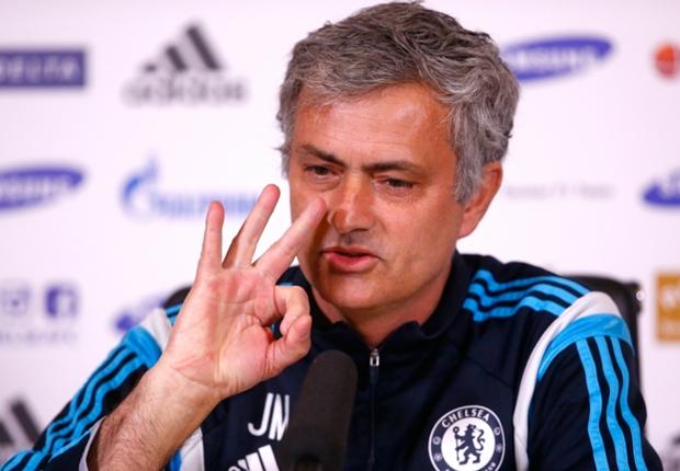 Mourinho defends Chelsea's penalty complaint article
