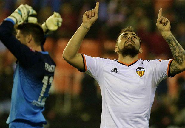 Valencia 2-0 Deportivo: Parejo & Paco propel Che above Atletico