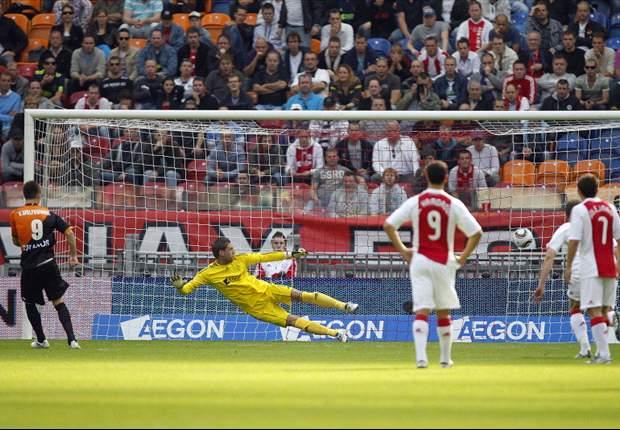 Stuntend FC Utrecht maakt einde aan ongeslagen reeks Ajax
