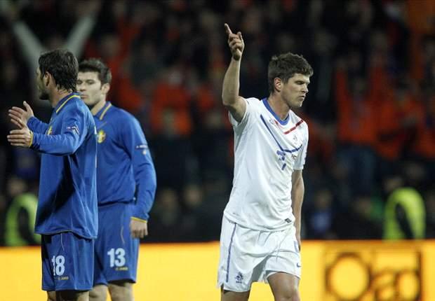 Moldova 0-1 Netherlands: Klaas-Jan Huntelaar the hero for disappointing Oranje in Euro 2012 qualifier