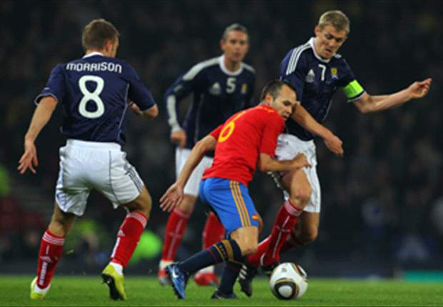 Scotland 2-3 Spain: Substitute Fernando Llorente breaks home hearts after stunning fightback from two goals down