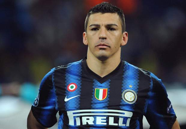 Official: Lucio signs Inter contract extension until 2014