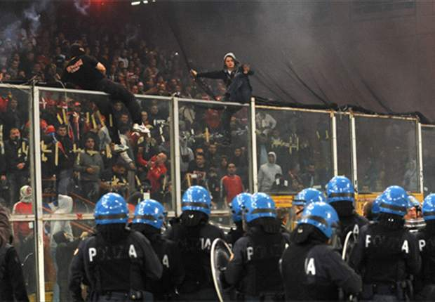 Platini dreigt Servië en Kroatië met WK-uitsluiting
