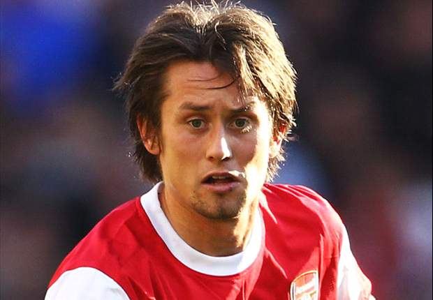 Arsenal midfielder Tomas Rosicky reveals he turned into a medical boffin to overcome injury