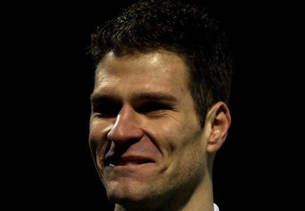 Begovic flattered by interest from Manchester United and Liverpool