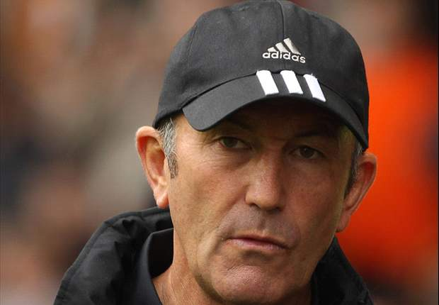 Stoke City boss Tony Pulis bemoans referee Andre Marriner for failing to send off Gary Neville in loss to Manchester United