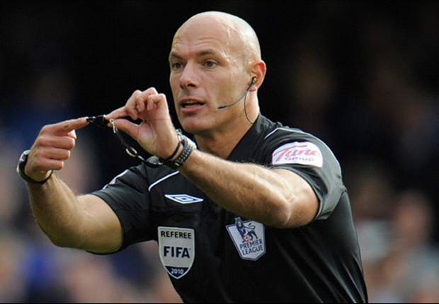 Webb: Referees would accept goal-line technology at Euro 2012