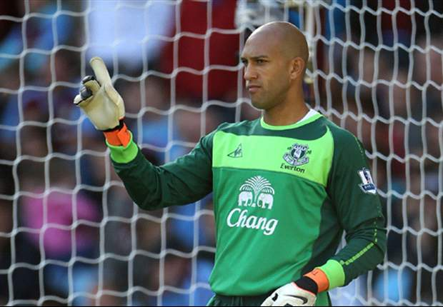 Tim Howard hopeful Steven Pienaar will stay at Everton