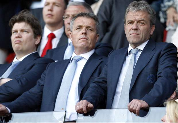 Feyenoord ton rijker na debuut Aké