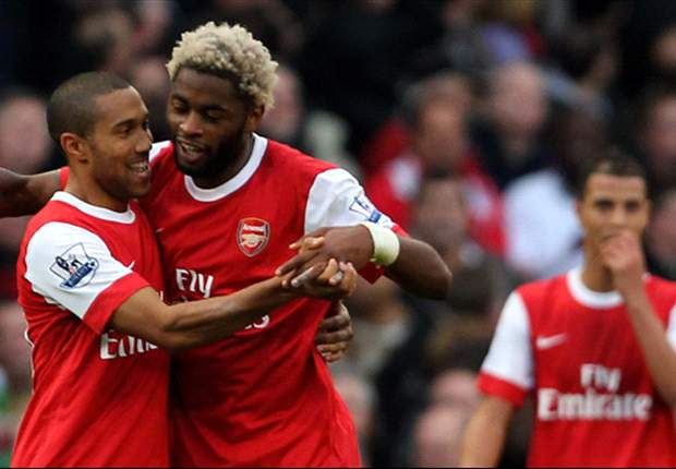 Arsenal 1-0 West Ham: Late Alex Song strike keeps Gunners in touch with Chelsea