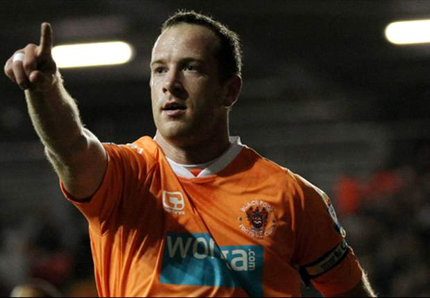 Liverpool to step up chase for Charlie Adam & expect to fend off late interest from Aston Villa in Blackpool midfielder