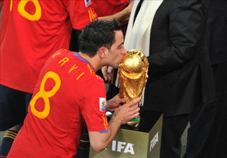 Xavi is Spain's greatest ever - Busquets