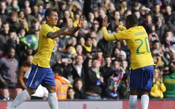 Roberto Firmino Robinho Brazil Chile Intl Friendly 29032015