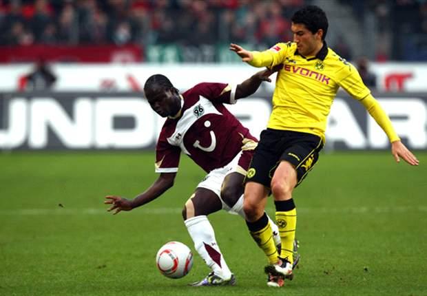 Hannover 0-4 Borussia Dortmund: Cherundolo And Ten-Man Reds Overpowered