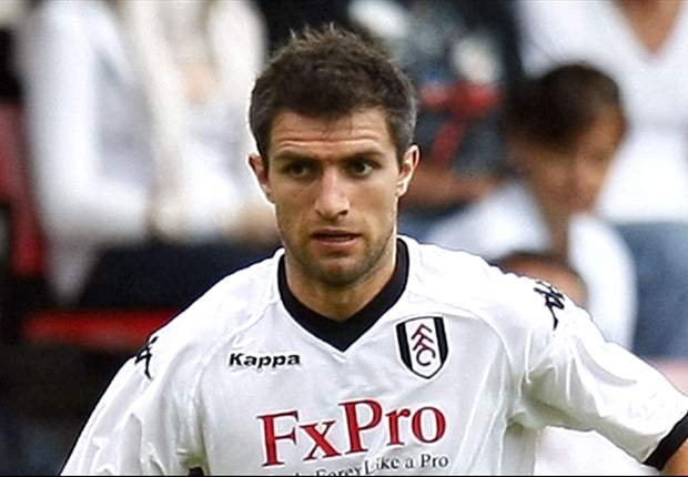 Hughes pens contract extension with Fulham
